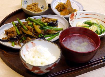 12/19(水)オトナゴハン(豚と野菜の味噌炒め)