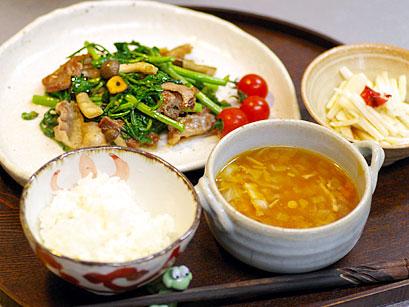 10/30(月)オトナゴハン(クレソンと豚肉のガーリック炒め)